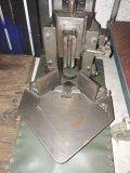 Eckenrundstoßmaschine Tisch-Eckenrundstoßgerät mit Messer Radius R7, Gebrauchtmaschine, 1 Stück